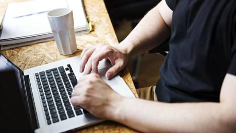 Monet verkkorikolliset hyödyntävät koronaepidemiaa huijausyrityksissään.