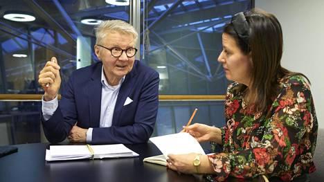 Kansanedustaja Pirkka-Pekka Petelius ja romaniasiain neuvottelukunnan edustaja Sarita Friman.