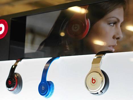 Beats Electronicsin kuulokkeita. Apple ilmoitti varhain torstaina aikovansa ostaa Beats Electronicsin 2,2 miljardilla eurolla.
