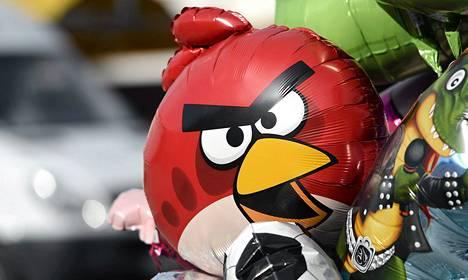 Rovion luomasta Angry Birds -pelistä on tehty paljon oheistuotteita ympäri maailmaa. Kuvassa vappupalloja.