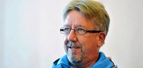 Juha Hirvi ei jatka ampumahiihtäjien valmentajana.