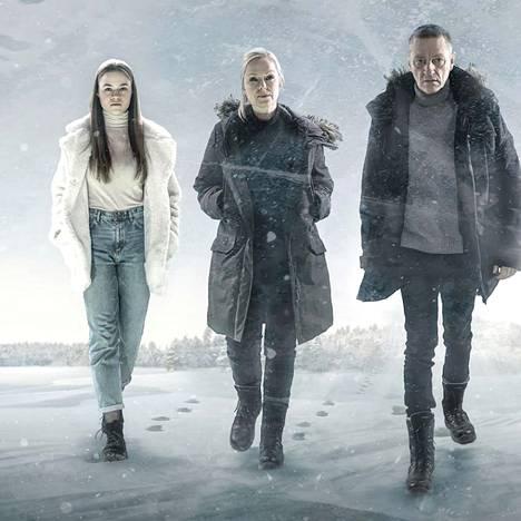 Olivia Ainali (vas.), Anu Sinisalo ja Ville Virtanen näyttelevät Sorjosessa. Tulevassa Sorjonen: Muraalimurhat -elokuvan rooleissa nähdään tv-sarjasta tuttuja näyttelijöitä.