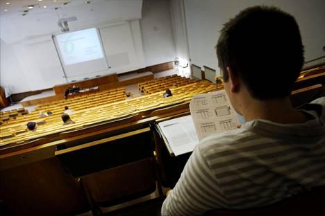 Maistereiksi valmistuneilla opiskelijoilla on keskimääräinen opiskeluaika ollut viime vuosina kuuden ja seitsemän vuoden välillä.
