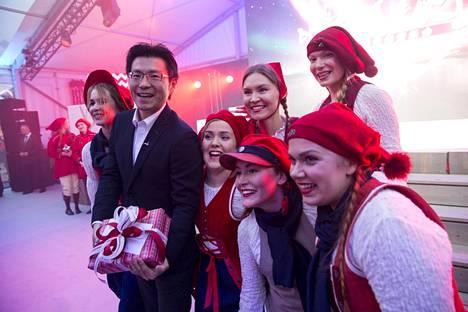 Alibaban markkinointijohtaja Chris Tang lokakuussa Rovaniemellä.