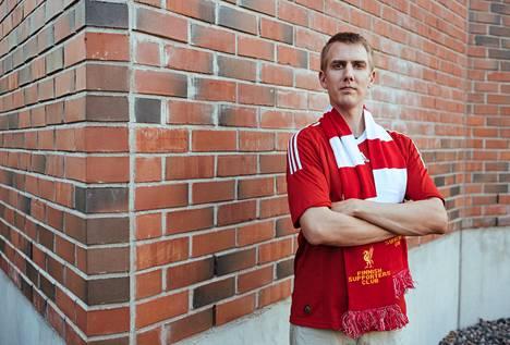 Aki Welander juhlistaa hääpäiväänsäkin katsomalla Liverpoolin peliä.