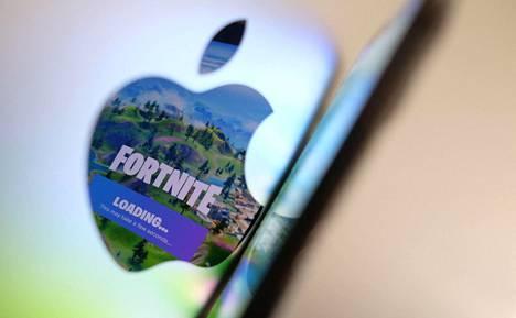 Fortnite-pelillä on satoja miljoonia pelaajia.