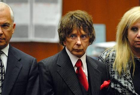 Phil Spector oikeudessa Los Angelesissa 2007 syytettynä näyttelijä Lana Clarksonin murhasta.
