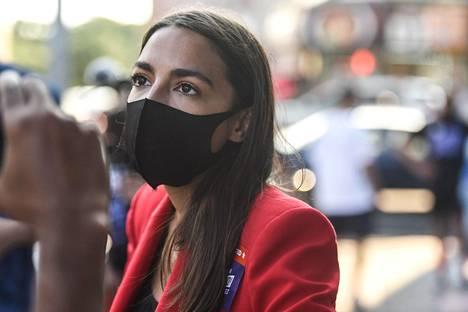 Demokraattipuolueen Alexandria Ocasio-Cortezin mukaan hän ja republikaanien Ted Yoho eivät olleet puhuneet ennen nimittelytapausta.