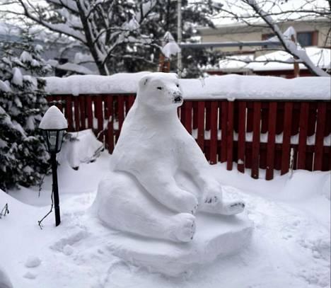 Veistäjä kertoo tehneensä jääkarhun yksityiskohdat keittiöveitsellä.