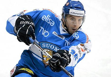 Oskar Osala teki Leijonien toisen maalin Ruotsia vastaan. Kuva on viime vuoden joulukuulta.