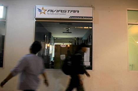Aviastar Mandirin kone katosi perjantaina Sulawesin saarella Indonesiassa. Yhtiön toimisto Hasanuddinin kansainvälisellä lentokentällä maan pääkaupungissa Makassarissa.