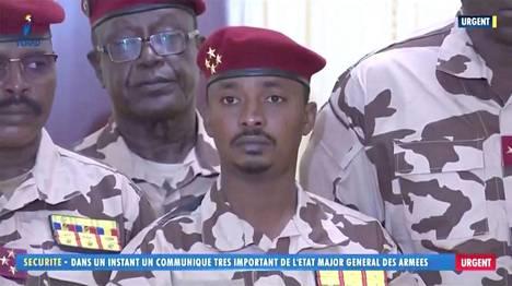 Idriss Débyn poika Mahamat Kaka johtaa maata siihen asti, kunnes uudet vaalit pidetään 18 kuukauden kuluttua.