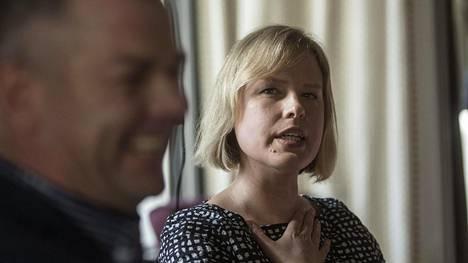 Laulaja Jari Sillanpää ja tämän elämäkerran kirjoittanut Mari Koppinen. Koppinen on ehdolla Vuoden toimittajaksi.