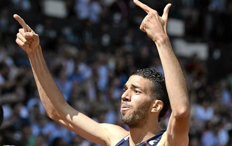 Mekhissi-Benabbad juhlisti 1500 metrin voittoaan normaalilla tavalla.