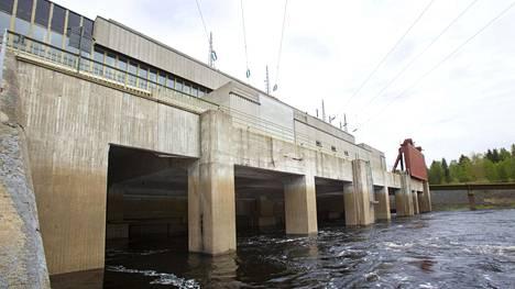 Kemijoen valuma-alueella on kaikkiaan 21 vesivoimalaitosta. Kuvassa Kemijoki Oy:n omistama Ossauskosken vesivoimalaitos Tervolassa.