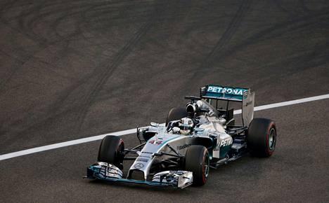 Lewis Hamilton kauden päätöskisassa Abi Dhabissa.