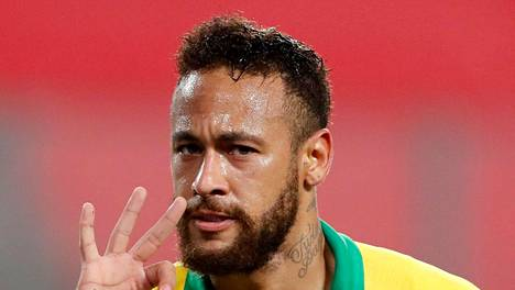 Neymar ratkaisi maaleillaan voiton Brasilialle.