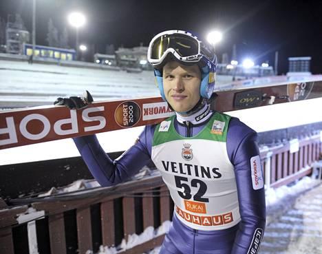 Lauri Asikainen sijoittui torstai-iltana Rukan mäkikarsinnassa seitsemänneksi 133 metrin hypyllä.