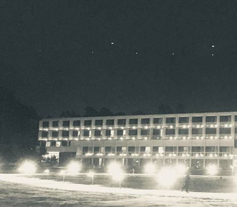 Tämä kuva otettiin Espoon Tapiolassa joulukuussa 2018. Sitten se lähetettiin Suomen ufotutkijoille. Kuvan ottaja ei halua nimeään julkisuuteen.