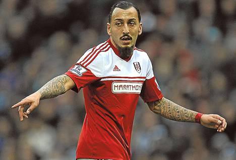 Valioliigan Fulhamiin siirtyneestä kärkimies Konstantinos Mitroglousta on tullut tärkeä pelaaja Kreikalle.