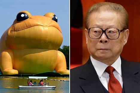 Rupikonnataideteos (vas.) ja Kiinan entinen presidentti Jiang Zemin.