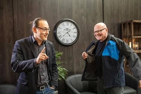 Aleksi Koski (vas.) ja Hannu Hautamäki keskustelivat Suomi puhuu -päivänä viime lauantaina Jyväskylässä.