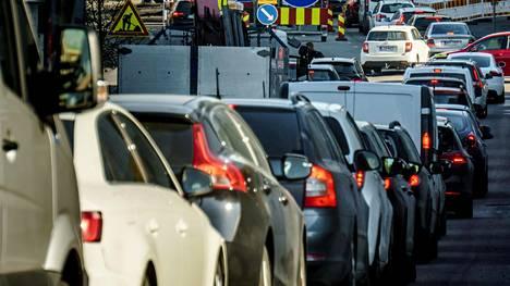 Kymmenet tieliikenteen säännöt aiotaan muuttaa.