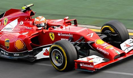Kimi Räikkönen oli vaikeuksissa uuden autonsa kanssa Australian gp:ssä.