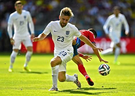Luke Shaw pelasi Englannin riveissä Costa Rica vastaan Brasilian MM-kisoissa.