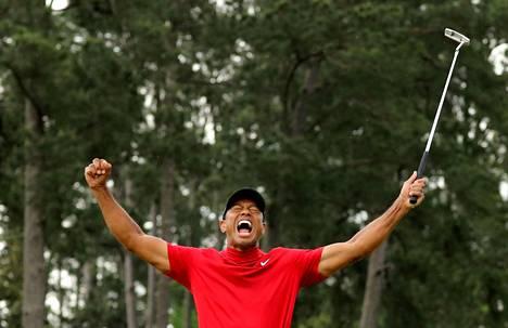 Tiger Woods juhli 14. huhtikuuta 2019 uransa viidettä Masters-voittoa.