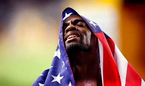 Yhdysvaltalainen Tyson Gay voitti kolme kultamitalia MM-kisoissa Japanin Osakassa vuonna 2007. Sunnuntaina hän itki kerrottuaan positiivisesta dopingnäytteestä.