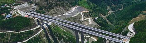 """<span class=""""nbsp"""">&nbsp;</span>5.<span class=""""nbsp"""">&nbsp;</span>Yksityistettävien kohteiden listalla on Pohjois-Kreikan halki kulkeva 670 kilometrin mittainen Egnatia Odos -moottoritie."""