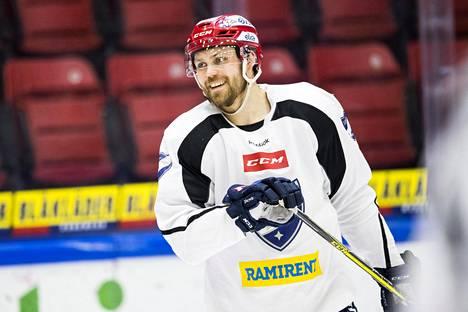 Kapteenin Arttu Luttinen on ollut yksi HIFK:n loukkaantuneista pelaajista.