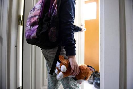 Lastensuojelun tarpeesta päättävillä työntekijöillä on suurin huoli siitä, saavatko perheet oikeudenmukaista kohtelua.