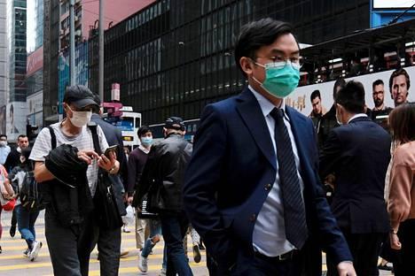 Noin 13 prosenttia Hongkongin työllisistä tekee töitä rahoitusalalla ja asiantuntijatehtävissä kuten kirjanpito- tai lakitoimistoissa.