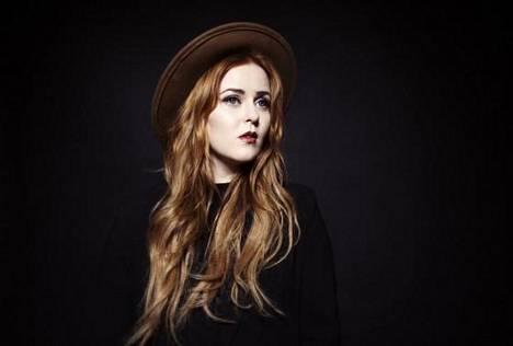 Ellinoora on tehnyt kappaleita Kaija Koonkin uudelle levylle.