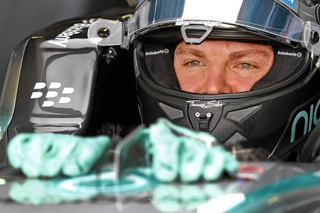 Toisena MM-pisteissä oleva Nico Rosberg on on 53 pistettä jäljessä tallikaveriaan Lewis Hamiltonia.