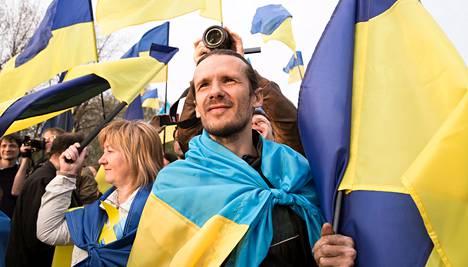 Nikolai Varonin osallistui torstaina Donetskissa <br />Kiovan hallitusta tukevaan mielenosoitukseen.