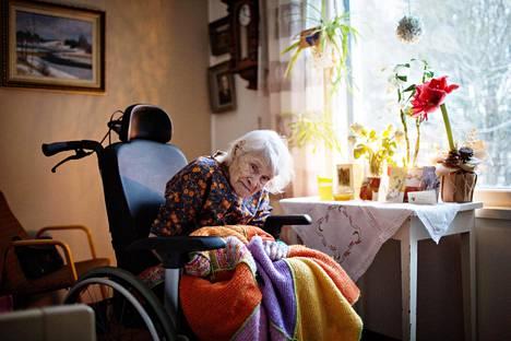 110-vuotias Helvi Kärki asui yksityisessä hoivakodissa Hämeenlinnassa.