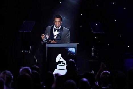 """Shawn """"Jay-Z"""" Carter puhui pre-Grammy-gaalassa 27. tammikuuta 2018 saatuaan siellä kunniapalkinnon."""