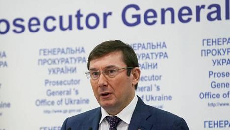 Ukrainan oikeusministeri Juri Lutsenko sanoi tiistaina, että yli 100 000 dollarin omistuksen ilmoittaneet päättäjät joutuvat tarkempaan syyniin.
