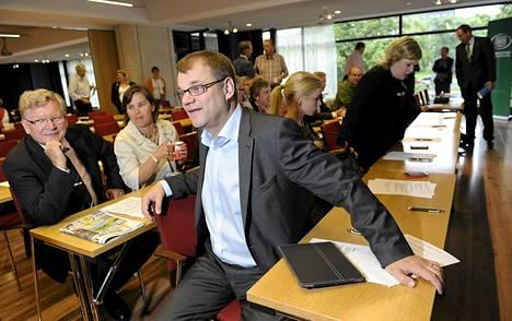 Keskustan puheenjohtaja Juha Sipilä puolueen eduskuntaryhmän kokouksessa Turussa keskiviikkona.