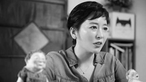 Eteläkorealainen Baek Heena käyttää kuvituksissaan muun muassa savihahmoja.