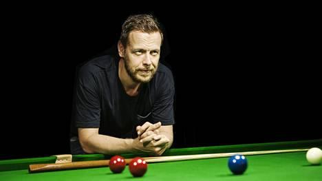 Robin Hull aloitti pelaamaan snookeria ammattilaistasolla 1990-luvun alussa. Kuva vuodelta 2014.