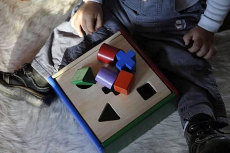 Lasten pitkä kotihoidon tuki voi myös suomalaisten tutkijoiden mukaan vaikuttaa kielteisesti joihinkin kognitiivisia kykyjä mittaavien neuvolatestien tuloksiin.