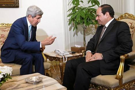 Yhdysvaltain ulkoministeri John Kerry tapasi Egyptin presidentin Abdel Fattah al-Sisin Kairossa tiistaina.