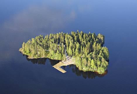Temptation Island Suomi -ohjelman kuvauksien järjestämispaikaksi epäillään Aateli Islandia.