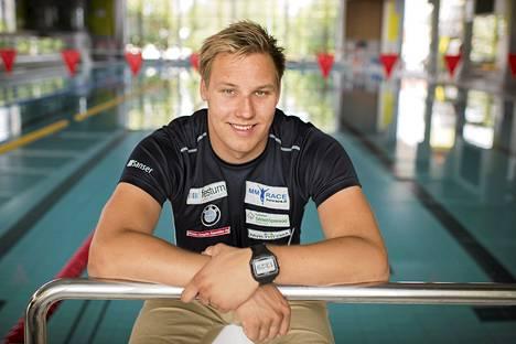 Matti Matsson selvisi 200 metrin rintauinnin välieriin.
