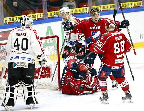 HIFK:n Matti Kuparinen, Tomas Zaborsky ja Joonas Rask olivat voiton takuumiehiä.