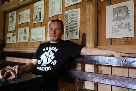 Luomuviljelijä Jukka Lassila, 41, on vastannut Lassilan tilasta jo yli puolet elämästään.